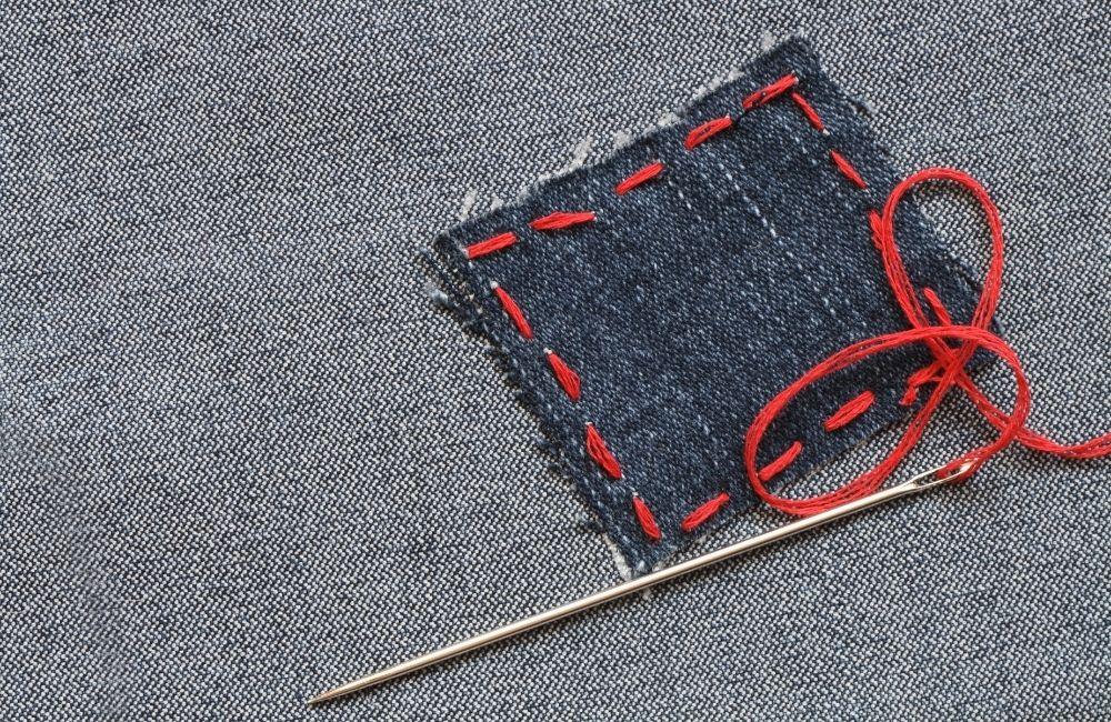 布きれと針と糸